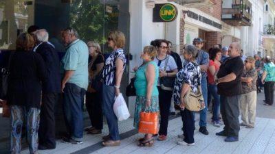 Por un error del Banco Provincia, se demoró por 24 horas el pago a numerosos jubilados del IPS