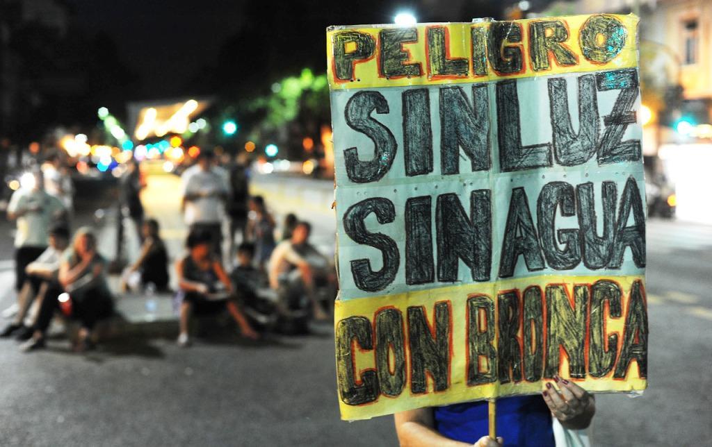 """A un año del apagón en La Plata: """"Edelap sigue impune a pesar del gran daño a los usuarios"""", dijo el abogado Marcelo Szelagowski"""
