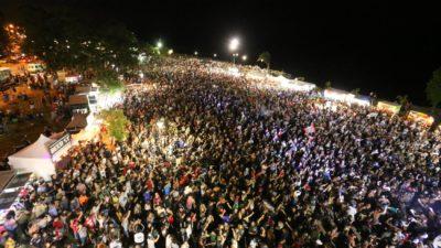 """Ensenada: Mas de 125 mil personas disfrutaron del Río y vibraron con """"Tarea Fina"""" la banda tributo a Los Redondos"""