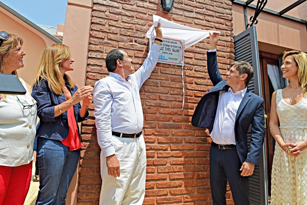 Kicillof estuvo con Julio Marini en Benito Juárez y destacó la figura de los intendentes