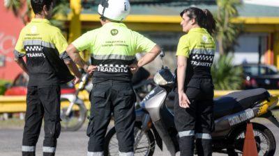 En La Plata empezarán a secuestrar motos por falta de casco