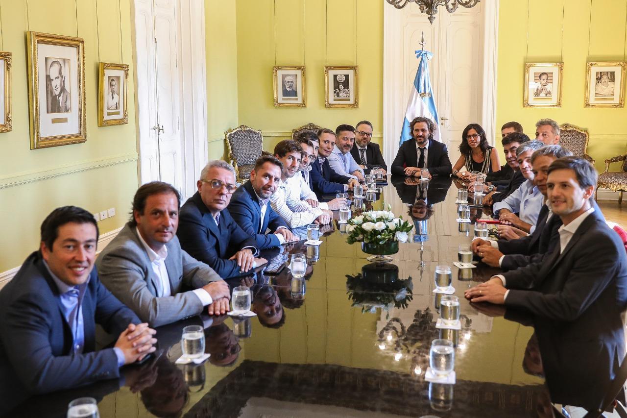 """Cafiero, Costa y Kulfas planificaron con los intendentes del conurbano el """"monitoreo"""" del Plan Precios Cuidados"""