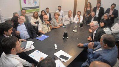 """Costa ante los titulares de FEBA, CEPBA y UIPBA aseguró """"vamos a hacer todo lo posible para que las empresas dejen de cerrar"""""""