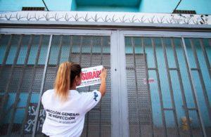 """En Almirante Brown un supermercado cobraba una """"comisión"""" por el uso de la Tarjeta AlimentAR"""
