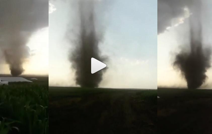 Video: registran el impresionante paso de un tornado por Tandil