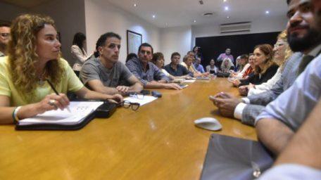 """Paritaria docente: Provincia hizo la primera oferta y los gremios rechazaron por """"insuficiente"""""""