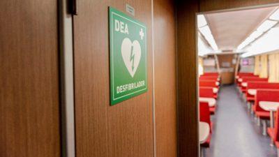 Los trenes a Mar del Plata y Bahía Blanca ya cuentan con desfibriladores automáticos