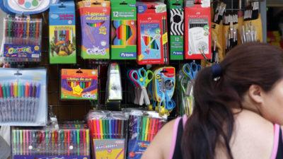 Banco Provincia lanzó descuentos del 30% en compras de guardapolvos, útiles, libros y todo para las clases
