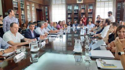 Paritaria: Provincia ofreció a los estatales un adelanto de 3 mil pesos en dos cuotas y los gremios rechazaron