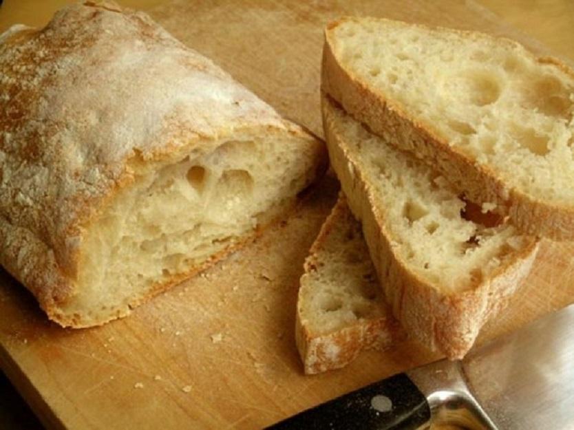 """Comedores recibirán el """"súper pan"""" irradiado de la CNEA que se puede conservar hasta 45 días"""