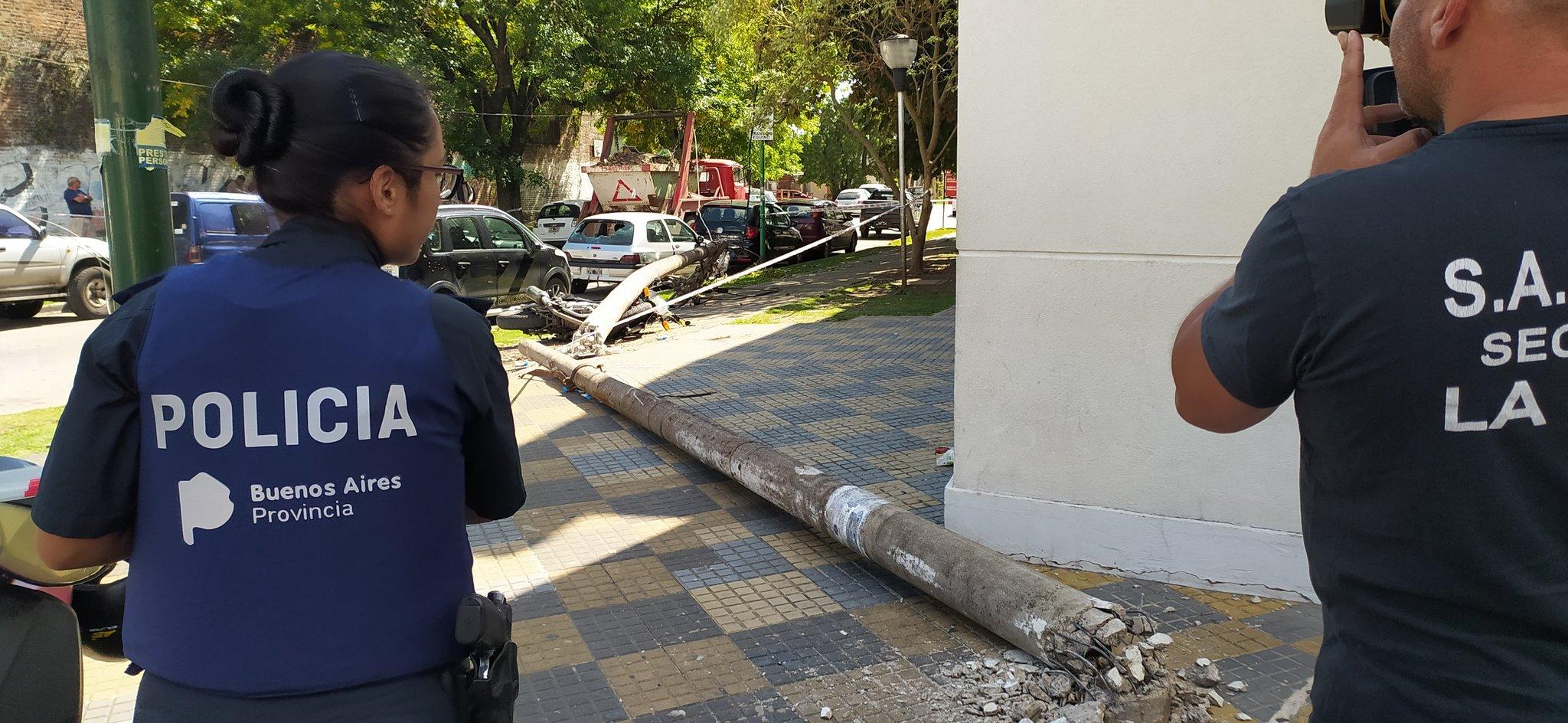 En La Plata murió un médico electrocutado luego de un accidente frente a un hospital público