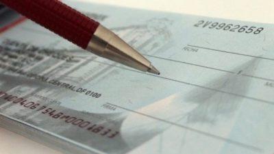 Cheques rechazados: piden ampliar el giro en descubierto y que se hagan cargo los bancos