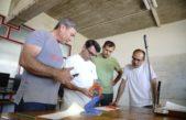 Bolívar: Profesores de la Escuela Técnica Nº1 diseñan mascarillas faciales en impresora 3D para agentes sanitarios