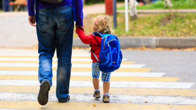 Durante la cuarentena se suspende el régimen de visitas con padres no convivientes