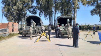 Enorme y silencioso trabajo de la Armada Argentina en Zárate brindando asistencia y alimentos a los más vulnerables