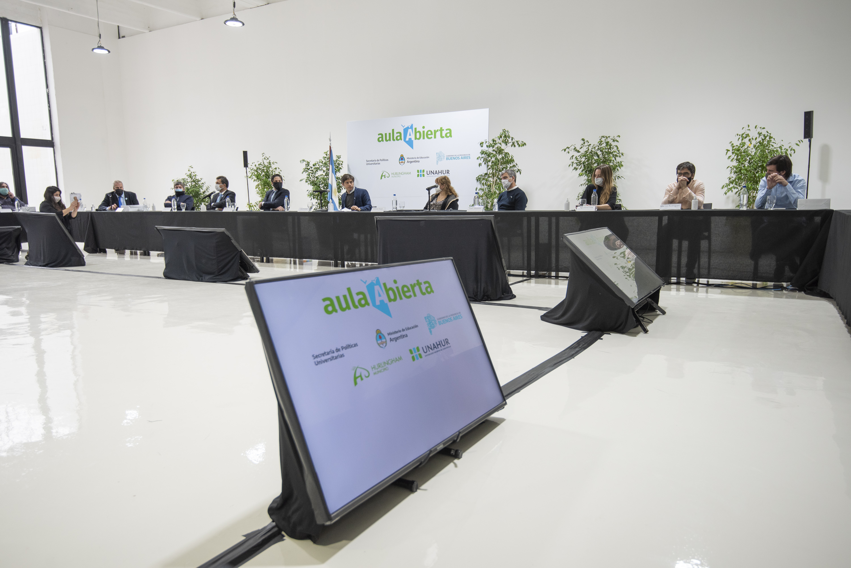 """Kicillof ponderó la plataforma """"Aula Abierta"""" que preparan aplicar en todo el territorio bonaerense"""