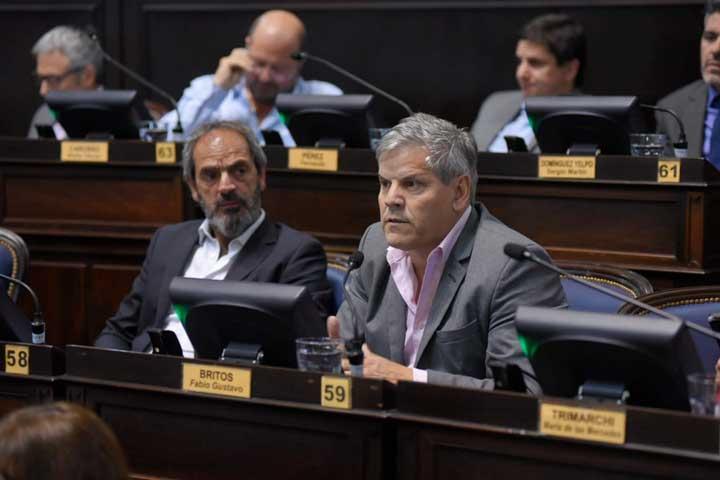 Fabio Britos pidió que los 12 mil millones de las PASO se utilicen para obras en las escuelas