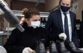 Cafiero visitó una fábrica de calzados con 260 empleados que fue beneficiada por los ATP y vuelve a tomar fuerza