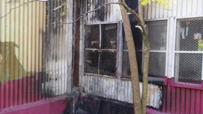 El incendio de una biblioteca puso en evidencia el drama de los sin techo en La Plata