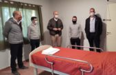Gollán entregó dos respirados en Trenque Lauquen y recorrió con Zurro el nuevo sector de aislamiento para adultos en Pehuajó
