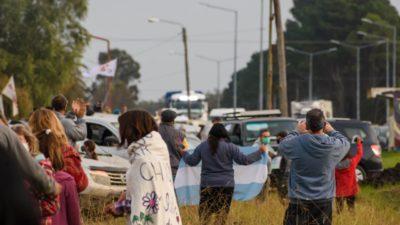 Vecinos de Mar Chiquita indignados por la promulgación de la ordenanza que permite fumigar a 150 metros de zonas urbanas