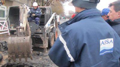 La Plata: se rompió el acueducto norte en Gonnet y ABSA trabaja para repararlo