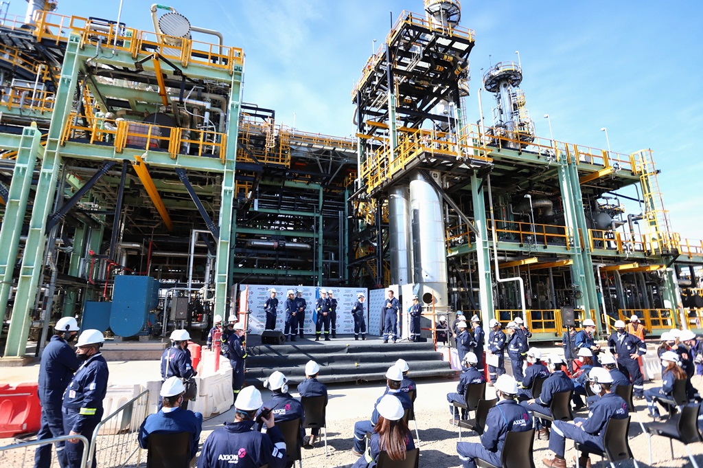 """Queremos ser una provincia petrolera"", remarcó Kicillof en la inauguración de la primera planta de Euro Diésel del país"