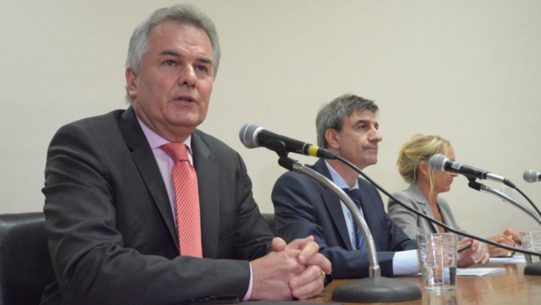 El intendente y varios funcionarios de Bahía Blanca se aislaron por el caso positivo de un periodista