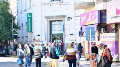 """Polémica: comerciantes de Necochea pedirán un resarcimiento económico a los """"responsables"""" del brote de Covid-19"""