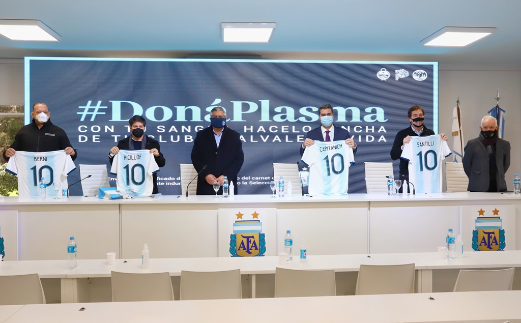 Por un acuerdo con AFA, los socios de clubes que donen plasma recibirán camisetas gratis
