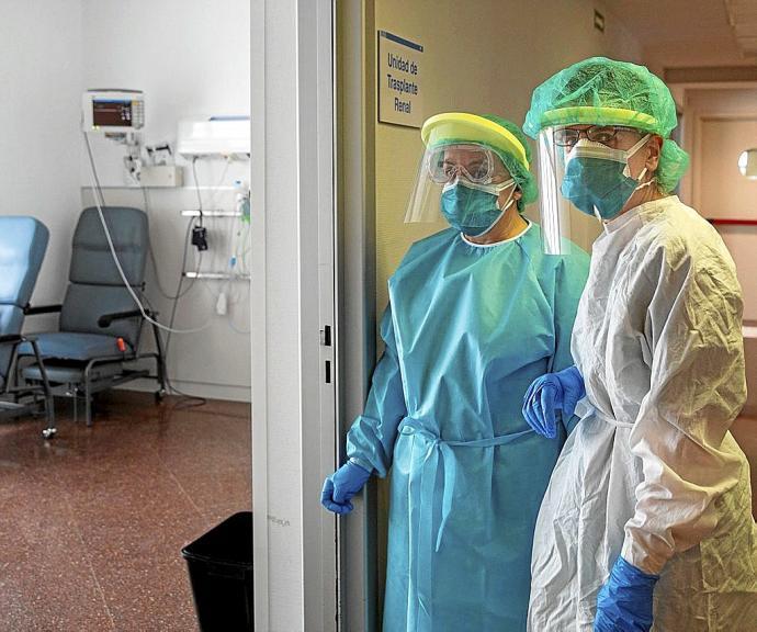 Trabajadores de la salud piden licencias de descanso a Kicillof ante la baja de casos