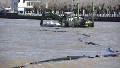 Comenzó el dragado del canal que abastece de agua a la Planta Potabilizadora de Punta Lara
