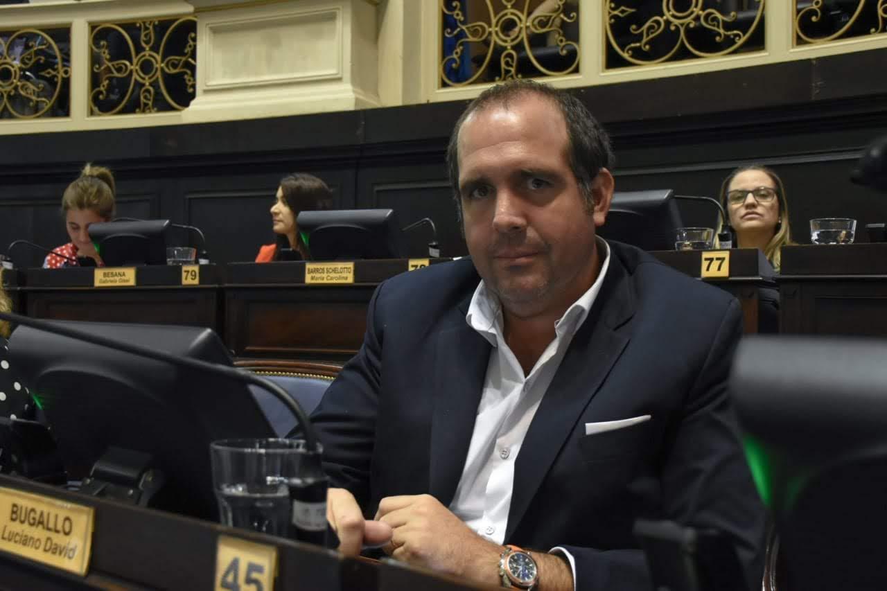 El opositor Bugallo pidió respuesta del gobierno ante la falta de medicamentos a pacientes oncológicos