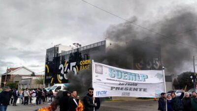La Plata: Municipales del SOEMLP se movilizarán mañana contra los despidos en el call center
