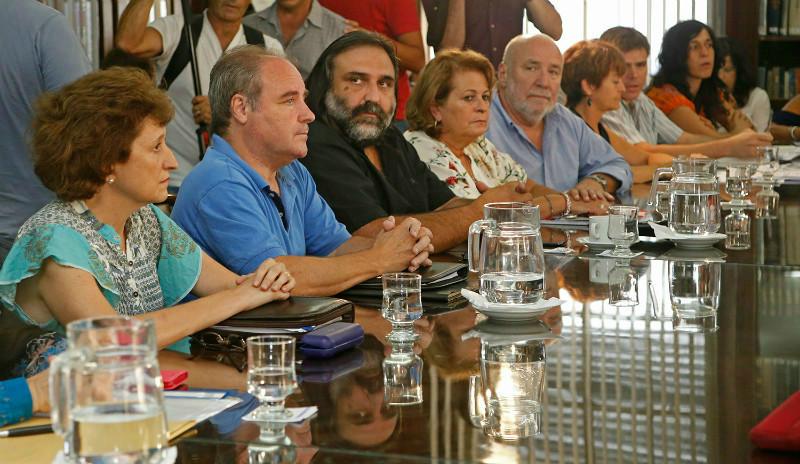 El Frente de Unidad Docente volvió reclamar la urgente convocatoria a paritarias