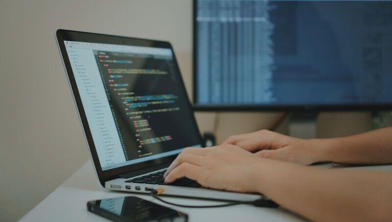 Día del Programador: por qué los arquitectos del mundo digital festejan el día N° 256