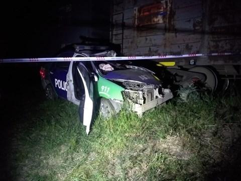 Un tren arrolló a un patrullero, murió un policía y otro está grave