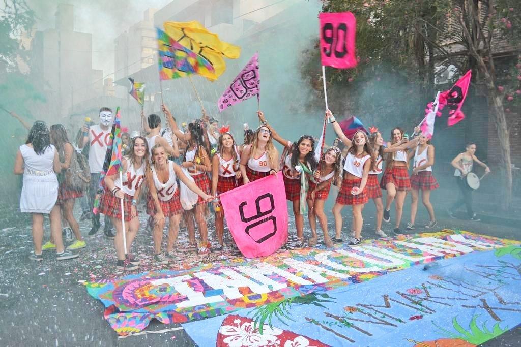 Los estudiantes del último año del secundario seguirán recibiendo actividades durante el verano