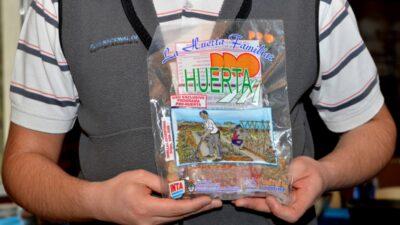 Preparen la tierra que llegaron las semillas: comenzó la entrega del kit primavera – verano del programa Pro Huerta