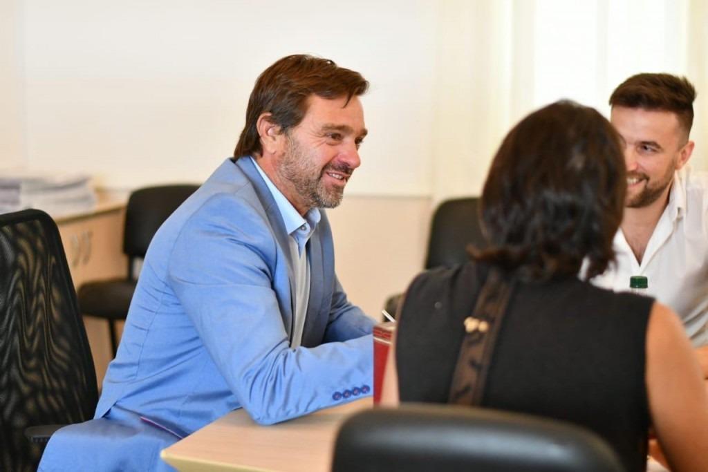 La interna radical ya se juega y el intendente de Magdalena, Gonzalo Peluso le pone una ficha a Maxi Abad