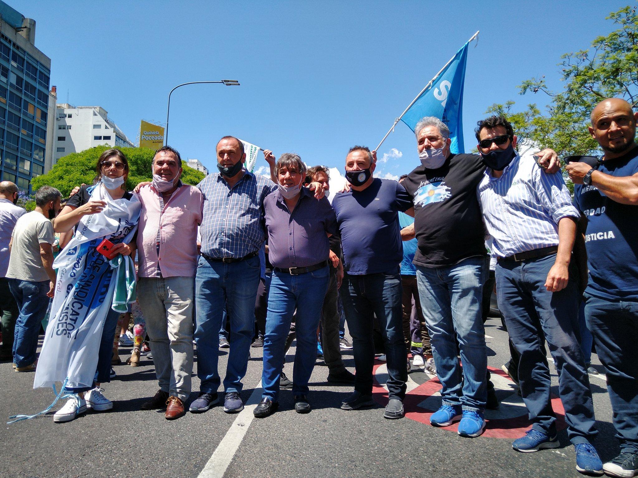 """Municipales se manifestaron en el Obelisco por """"salarios decentes"""" en todo el país: """"Estamos cansados"""", dijo Rubén García"""