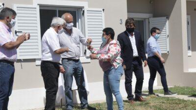 Lobería: El IVBA entregó 26 nuevas viviendas del programa Techo digno