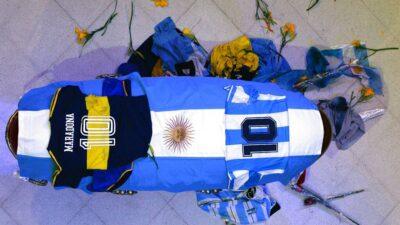 El municipio de San Miguel pide a los fanáticos de Maradona no acercarse al cementerio