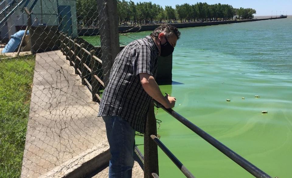 """Jelinski: """"El agua que sale de la planta no tiene bacterias, es potable y se puede consumir"""""""
