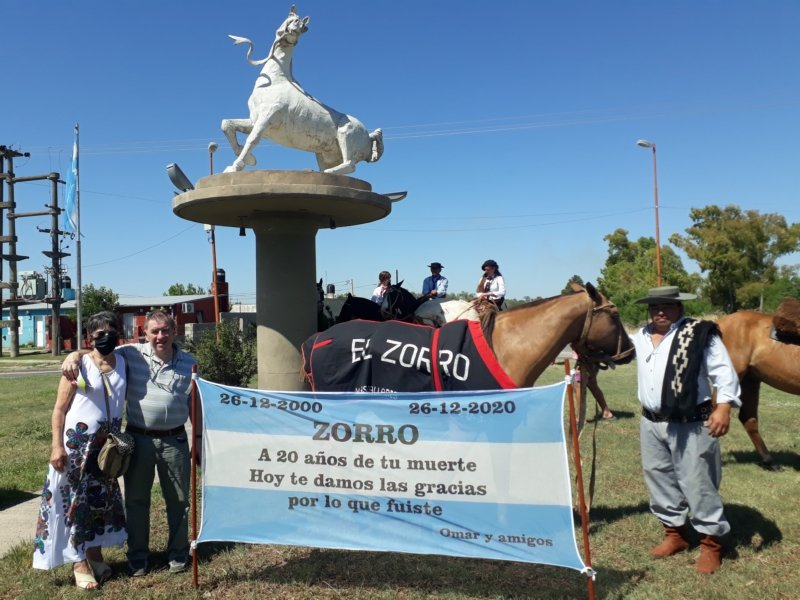 """Hace 20 años se moría """"El Zorro"""", el mítico caballo que ningún jinete jamás pudo domar"""