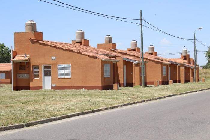 El Instituto de la vivienda de la provincia entregó viviendas en Olavarría