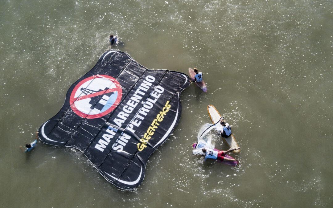 Ambientalistas de Greenpeace reclamaron contra los proyectos petroleros en el Mar Argentino