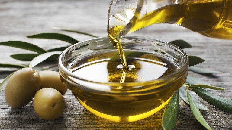 La ANMAT prohibió dos aceites de oliva, un jengibre, un suplemento dietario y tres productos médicos