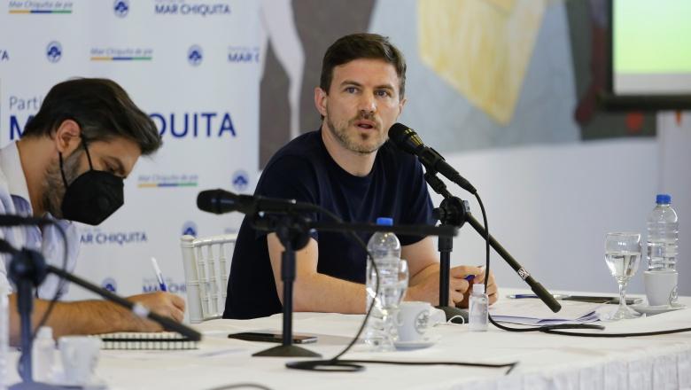 """Augusto Costa garantizó que la temporada de verano """"continuará hasta el 4 de abril"""""""