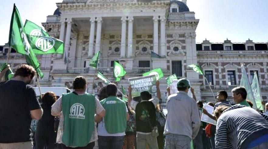 Provincia acordó con los estatales una suba anual del 38,7% y un bono de 4 mil pesos para los salarios más bajos